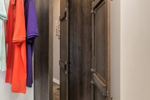 7b-Blueridge_Ranch_B28644_Closet_6491-1